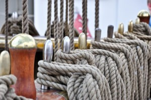 Seile auf einem Schiff